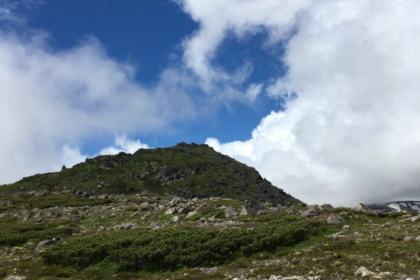 登山初心者が縦走?初心者にもオススメな北海道・赤岳から白雲岳へ